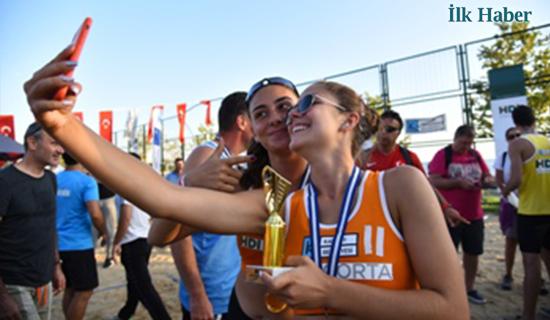 Plaj Voleybolu Turnuvası'nda Ödüller Sahiplerini Buldu