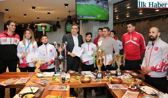 Ataşehir Belediyesi,Başarılı Sporcuları Ödüllendirdi