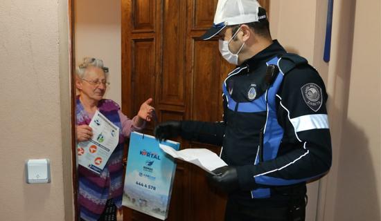 Kartal Belediyesi, 65 Yaş Üstü Vatandaşlara Temizlik Seti Dağıttı