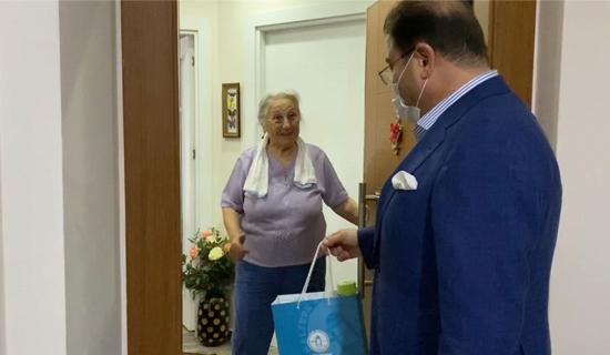 Maltepe Belediye Başkanı, Yaşlıları Evlerinde Ziyaret Etti