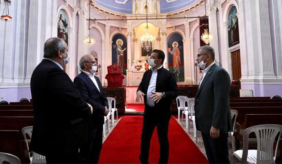 İmamoğlu ve Türkmen, Haçı Koparılan Kiliseyi Ziyaret Etti