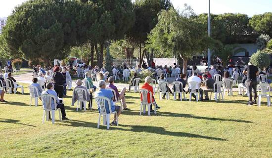 İBB'nin Sosyal Mesafeli Park Konserleri Başlıyor
