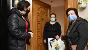Tuzla'da, Görme Engelli Vatandaşlara Beyaz Baston Dağıtıldı