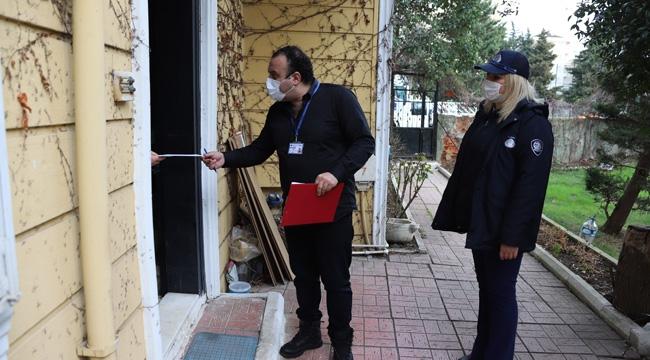 Kartal Belediyesi, Yaşlıların Sosyal Yardım Ücretlerini Adreslerine Teslim Ediyor