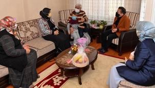 """Başkan Yazıcı'dan """"Yaşlılar Haftası""""nda Yaşlılara Ziyaret"""
