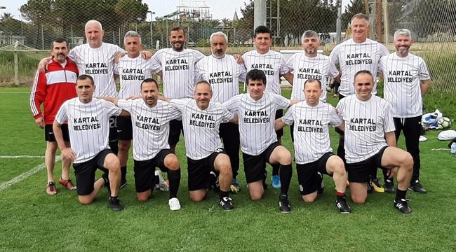 Kartal Belediyesi Veteran Takımı, Şampiyonada 2. Oldu