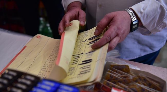 Tuzla'da İhtiyaç Sahibi Ailelerin Bakkal Borçları Ödendi
